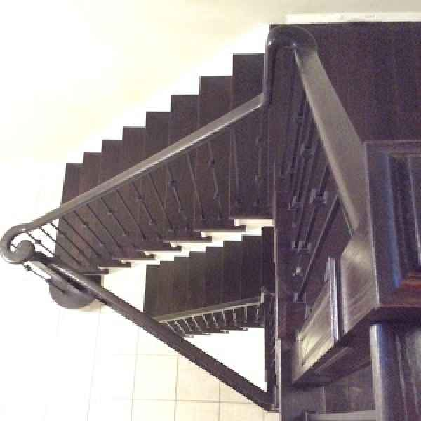 Double staircase with landings top view