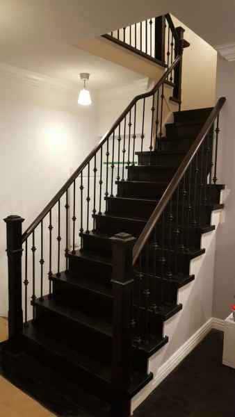 dark treads and risers with white stringers mississauga